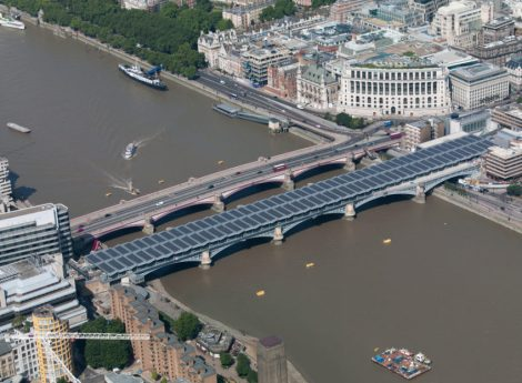 Solar-Blackfriars-Bridge-by-Solar-Trade-Association