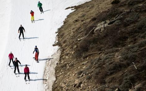 Skking brown slopes