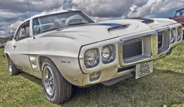 Old Car Berit Watkin 750X450