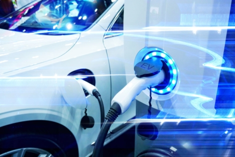 electric-car-954558336-iStock_PlargueDoctor-635x424