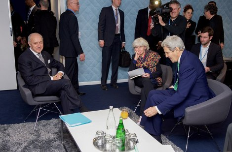 1093px-Secretary_Kerry_Meets_with_French_Foreign_Minister_Fabius_and_Climate_Change_Advisor_Tubiana_(23217275059)